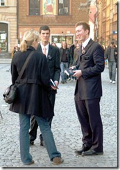 Elder-Smith-street-contacting-Warsaw-Old-Town-2