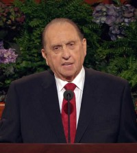 thomas-s-monson-at-pulpit-feature