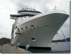 ship-in-port-at-st-thomas